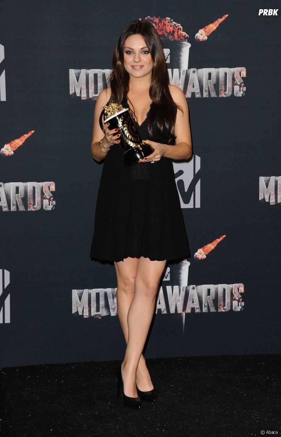 Mila Kunis remporte le prix de meilleure méchante aux MTV Movie Awards 2014 le 13 avril 2014