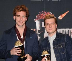 Sam Claflin, Josh Hutcherson et les prix remportés par Hunger Games 2 : l'embrasement aux MTV Movie Awards 2014 le 13 avril 2014