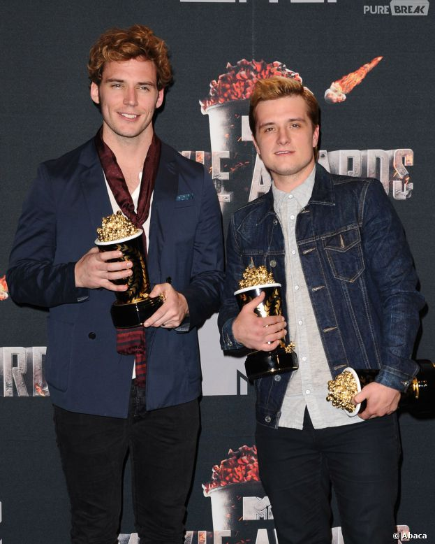 Sam Claflin, Josh Hutcherson et les prix remportés par Hunger Games 2 : l'embrasement aux MTV Movie Awards 2014 le 13 avril 2014