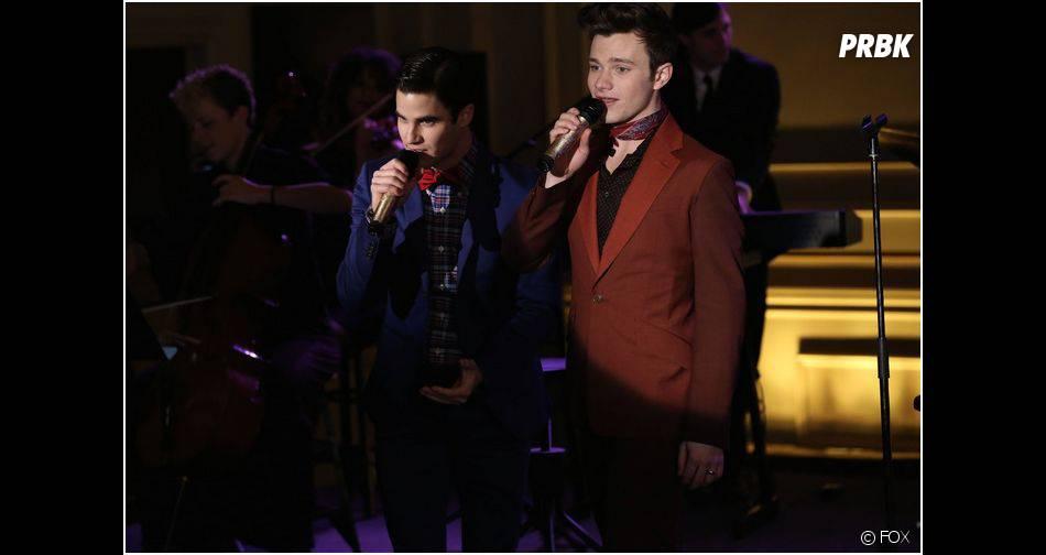 Glee saison 5, épisode 18 : Chris Colfer et Darren Criss donnent de la voix