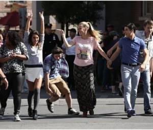 Glee saison 5, épisode 20 : la bande chante dans les rues de NY