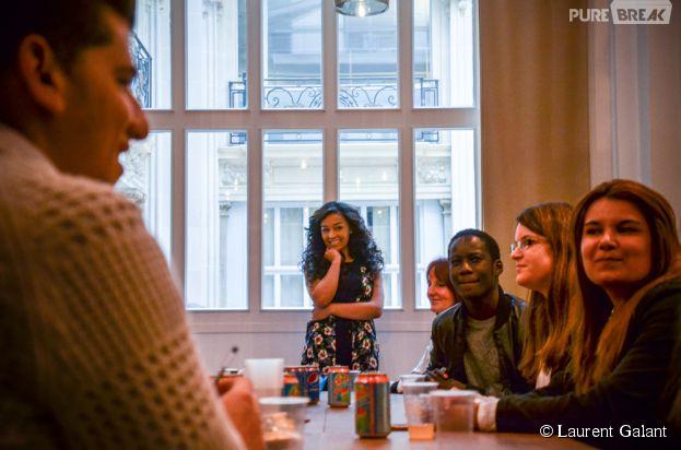 Zayra en compagnie de ses fans dans les locaux de Sony.