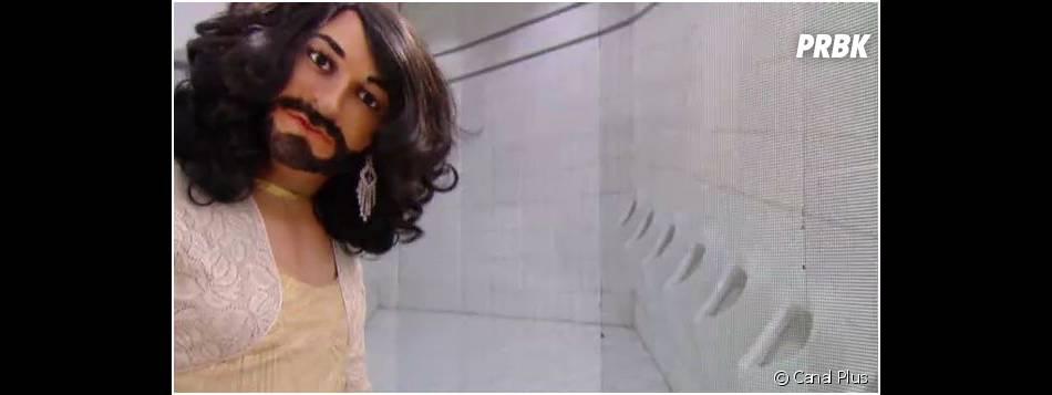 Conchita Wurst fait pipi debout dans Les Guignols de l'info, le 14 mai 2014 sur Canal Plus
