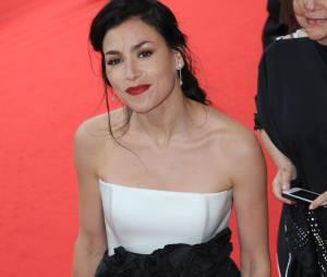 Olivia Ruiz souriante au festival de Cannes, le 19 mai 2014
