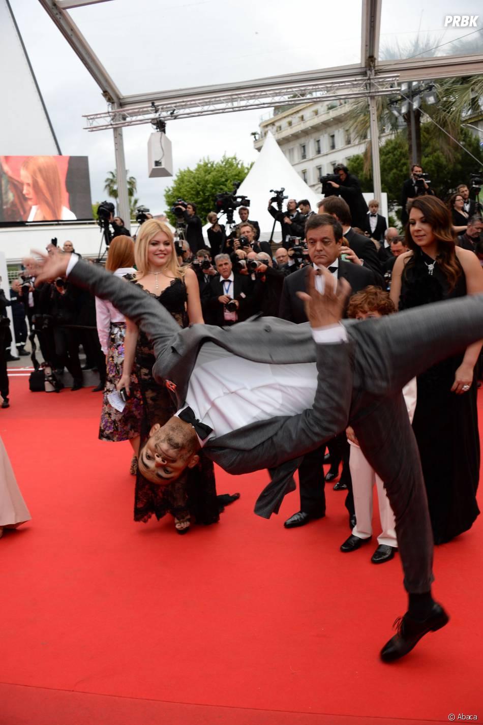 Brahim Zaibat en mode breakdance sur la Croisette, le 19 mai 2014 à Cannes