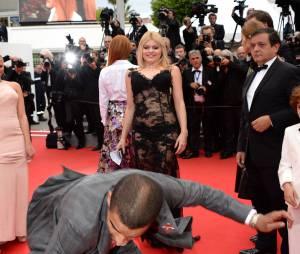 Brahim Zaibat assure le show sur le tapis rouge, le 19 mai 2014 à Cannes