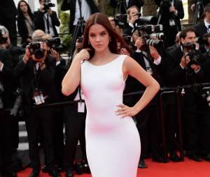 Barbara Palvin : robe sexy sur la Croisette, le 21 mai 2014 à Cannes