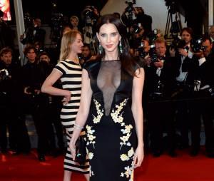 Frédérique Bel sublime et décolletée à Cannes le 19 mai 2014