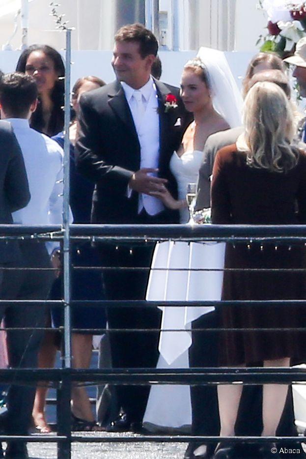 Bradley Cooper marié à Sienna Miller pour le tournage du film American Sniper de Clint Eastwood, à Los Angeles le 30 mai 2014