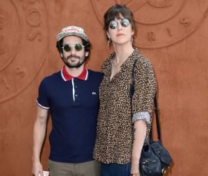 Daphné Bürki et Gunther Love en couple au quartier VIP de Roland Garros, le 7 juin 2014