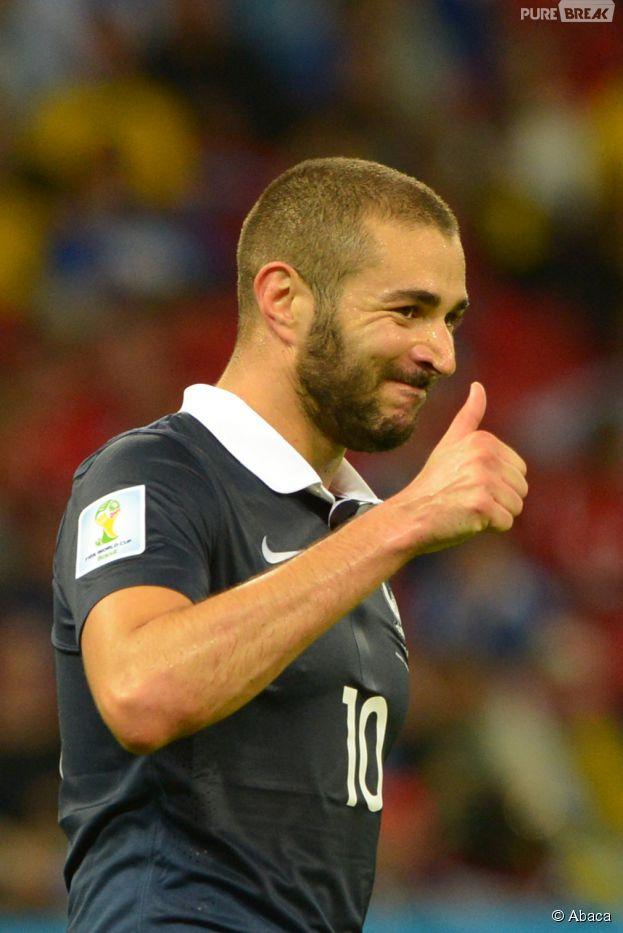 Karim Benzema souriant pendant le match France VS Honduras du Mondial 2014