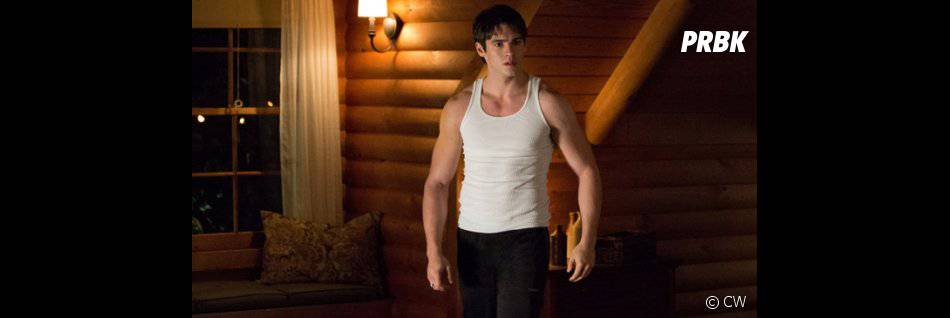 Arrow saison 3 : Steven McQueen prêt à quitter The Vampire Diaries ?