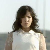 Indila : S.O.S, le clip poétique du 3e extrait de Mini World