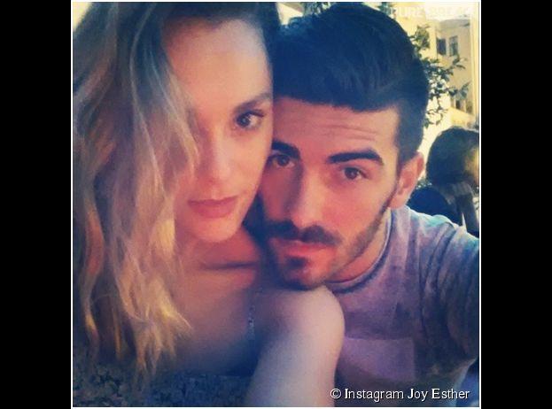 Joy Esther et Andrea : selfie en amoureux, à Rome le 2 juillet 2014