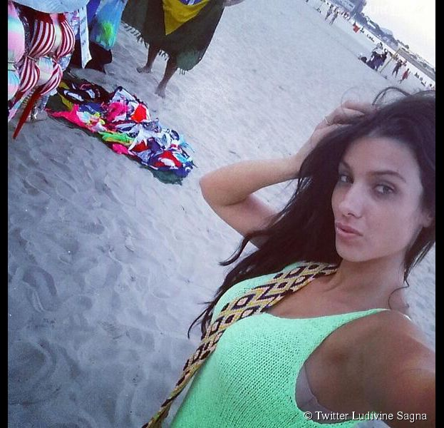 Ludivine Sagna : pose sexy au Brésil pendant le Mondial 2014