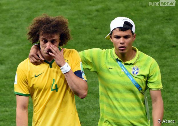 Thiago Silva console David Luiz après Brésil VS Allemagne, le 8 juillet 2014
