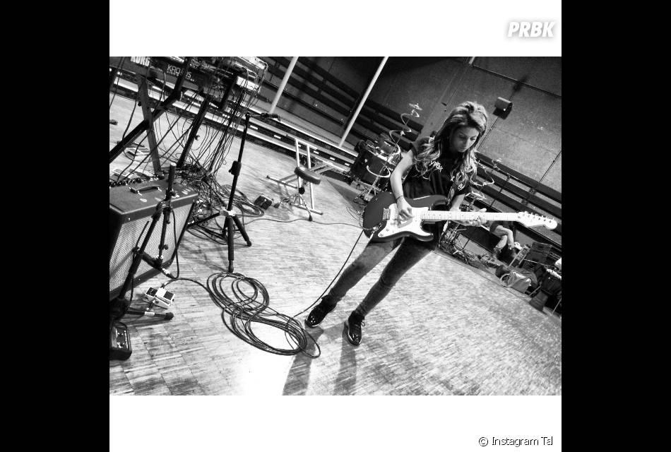 Tal musicienne pendant la préparation de sa tournée, le 13 février 2014 sur Instagram