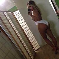 "Kim Kardashian sort un livre de selfies : sexy, au naturel, 10 photos ""cultes"""