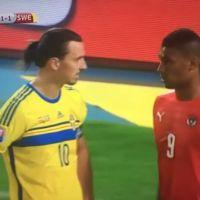 Zlatan Ibrahimovic : un joueur ose le toucher, sa réaction est géniale