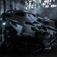 Batman v Superman : Zack Snyder dévoile l'impressionnante Batmobile
