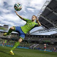 Luis Suarez pris en flagrant délit de morsure sur les terrains... de FIFA 15