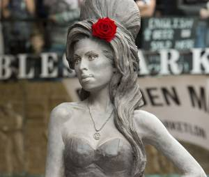 Amy Winehouse a une statue