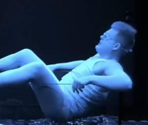 Total Blackout : Alexandre en panique pendant l'épreuve de la baignoire