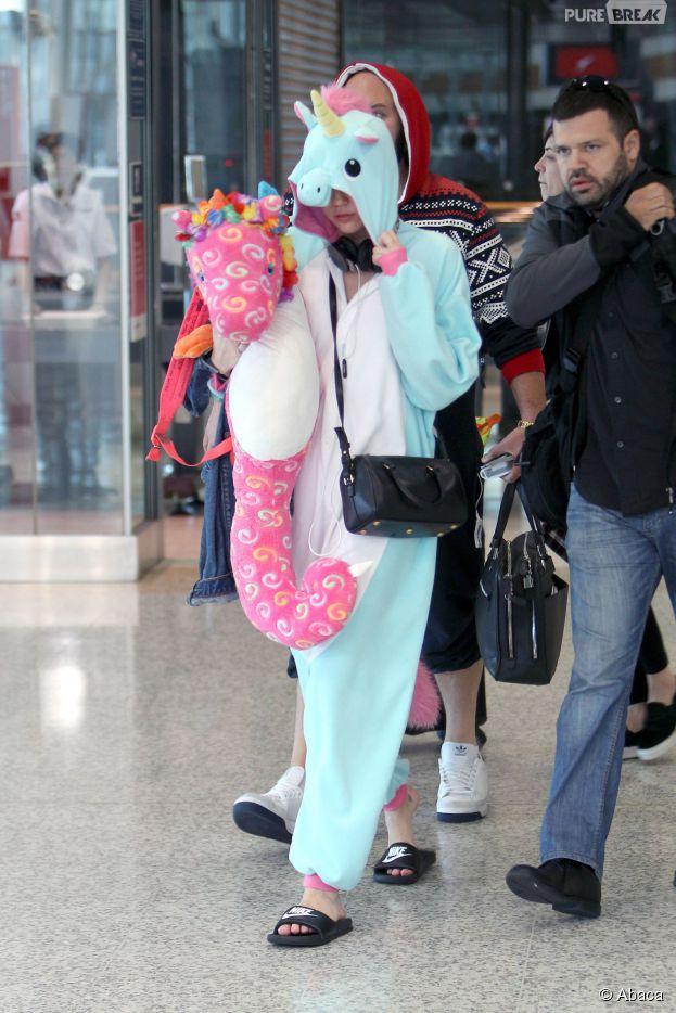 Miley Cyrus  bye,bye les tenues vulgaires, bonjour le déguisement de licorne