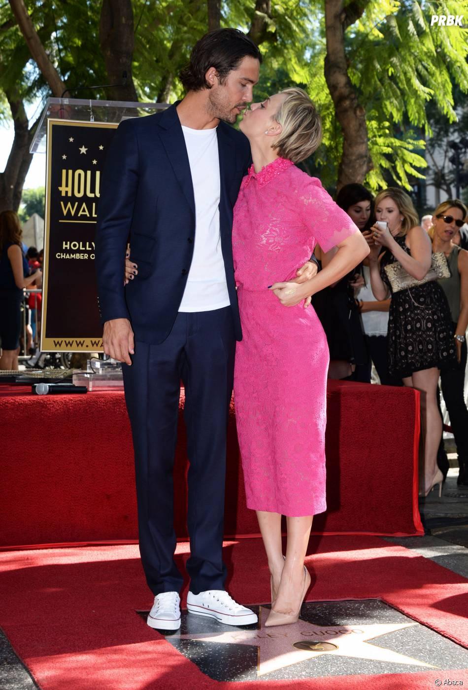 Kaley Cuoco et son mari Ryan Sweeting sur le Walk of Fame le 29 octobre 2014