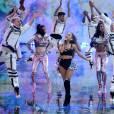 Ariana Grande au défilé Victoria's Secret 2014 à Londres, le 2 décembre 2014