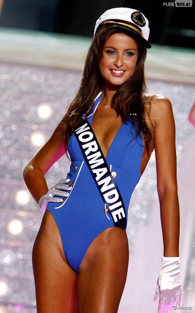 Malika Ménard en maillot de bain pendant le concours Miss France 2010