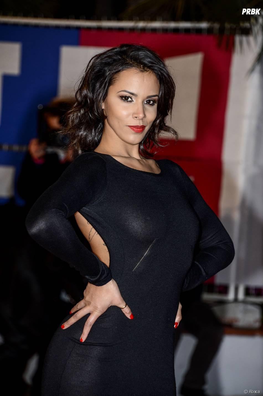 Shy'm en robe noire sexy sur le tapis rouge des NRJ Music Awards en 2013