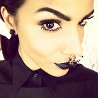 Shy'm : réponse poétique aux critiques sur son look gothique aux NMA 2014
