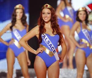 Delphine Wespiser : la Miss Alsace en maillot de bain pour Miss France 2012