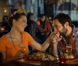 Scènes de Ménages saison 6 : les couples au restaurant
