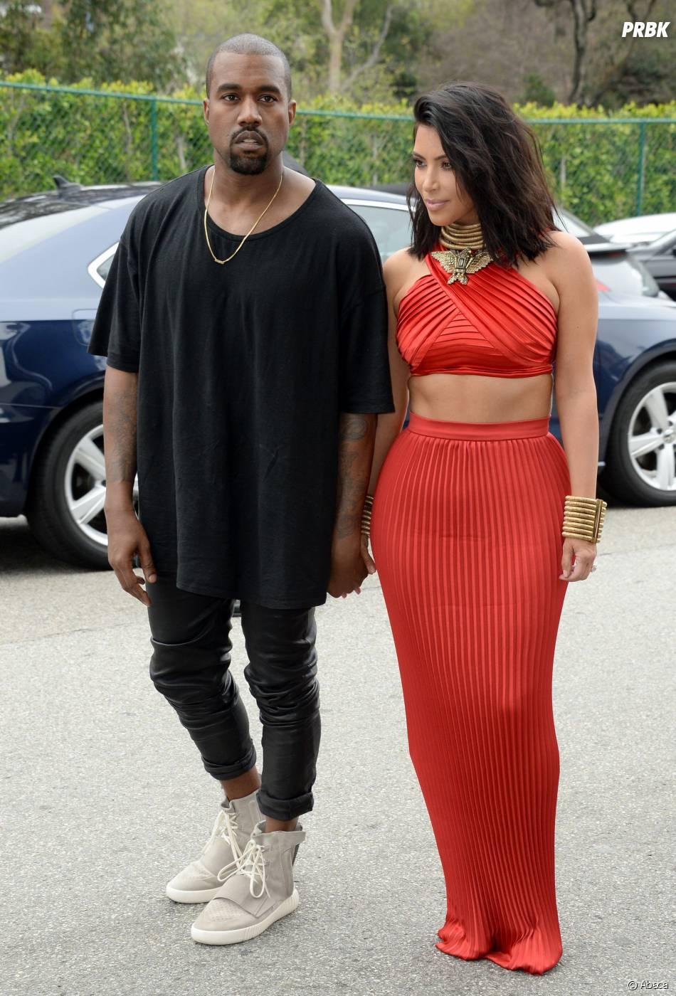 Kanye West et ses sneakers Yeezy 750 Boost x Adidas aux pieds, le 7 février 2015