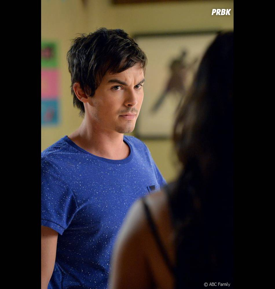 Pretty Little Liars saison 5, épisode 20 : photo de Caleb (Tyler Blackburn)