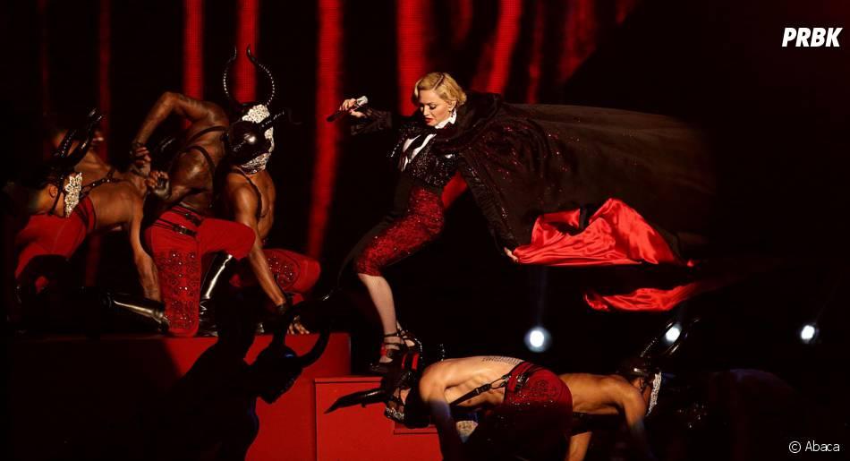 Madonna : gamelle aux Brit Awards 2015, à Londres, le 25 février