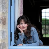 """Clem : une saison 6 déjà au programme ? Lucie Lucas """"perplexe"""" sur Twitter"""