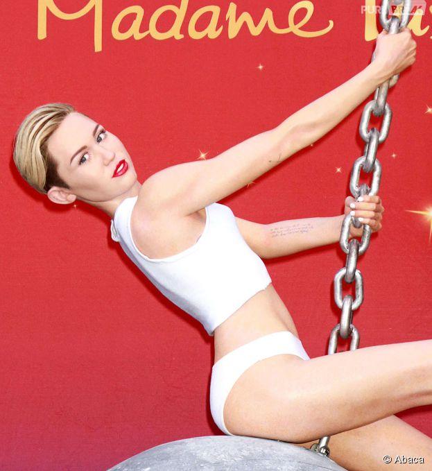 Miley Cyrus : sa statue de cire en mode Wrecking Ball à Las Vegas