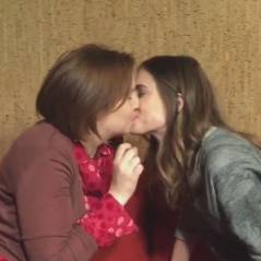 Lena Dunham et Allison Williams (Girls) : bisou lesbien sur Instagram... pour la bonne cause
