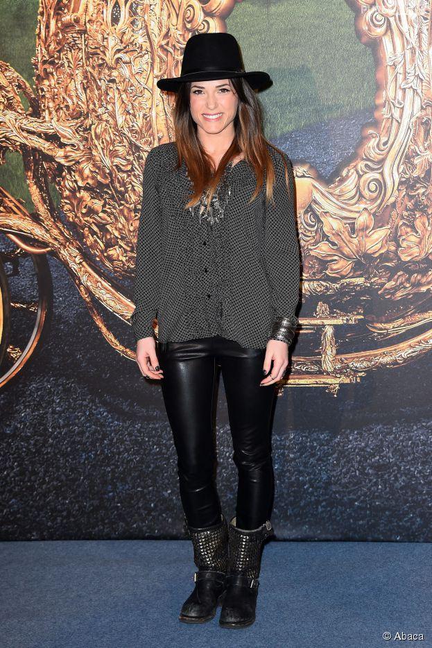 Capucine Anav souriante lors de l'avant-première de Cendrillon, au Grand Rex, le dimanche 22 mars 2015