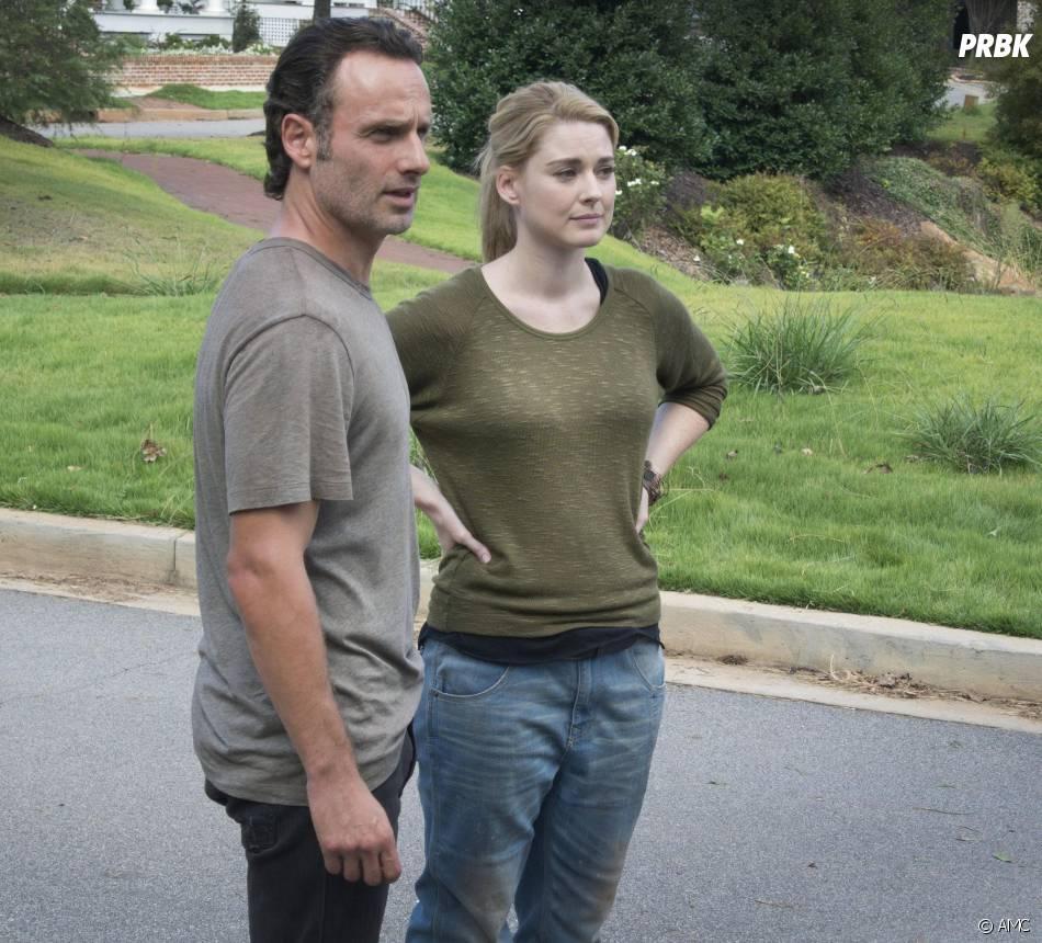 The Walking Dead saison 5 : Rick et Jessie sur une photo