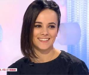 Alizée évoque la rencontre entre Grégoire Lyonnet et sa fille Annily dans Les Maternelles le 6 avril 2015 sur France 5