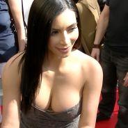 Kim Kardashian à Paris : rencontre sexy et ultra décolletée avec ses fans chez Marionnaud