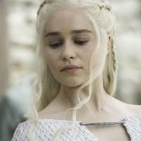 Game of Thrones saison 5 : découvrez la doublure très sexy d'Emilia Clarke aka Daenerys