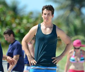 Miles Teller sur le tournage du film Arms and the Dudes