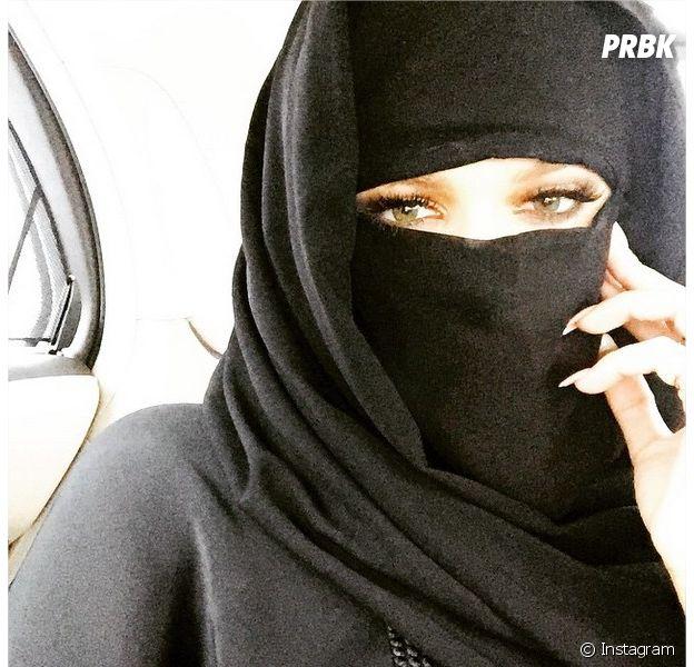 Khloé Kardashian en niqab sur Instagram : la photo déclenche une polémique, 26 mai 2015
