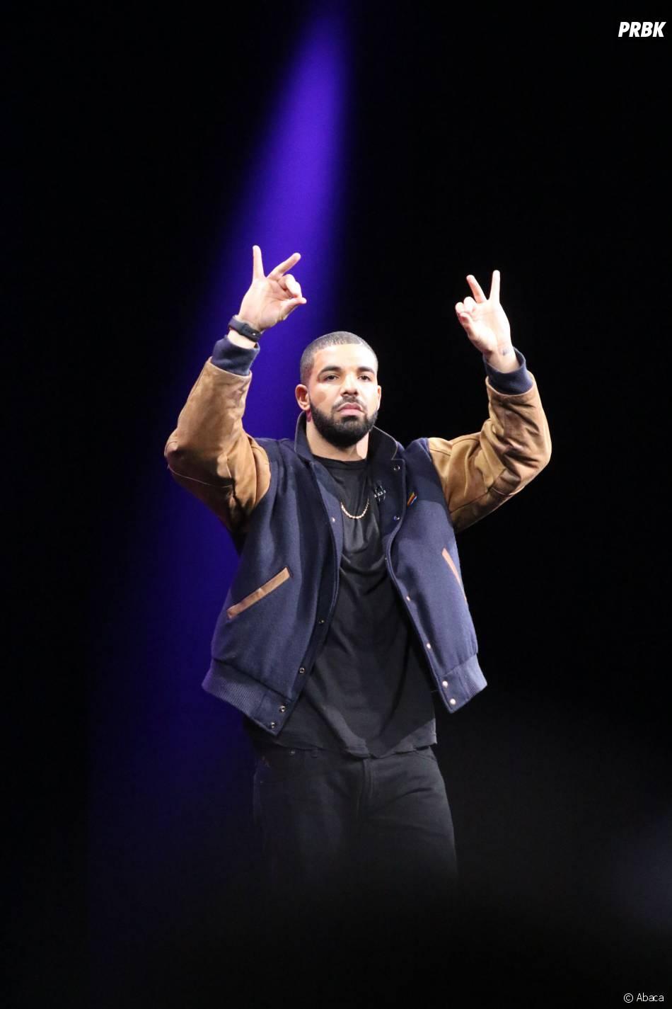 Drake pour présenter Apple Music lors de la keynote d'Apple à la WWDC, le 8 juin 2015