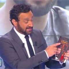 Cyril Hanouna : déçu, il déchire la biographie de Kendji Girac dans TPMP et se fait huer